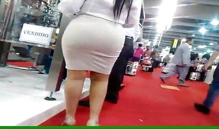 Wanita gemuk mengambil seorang video bokep movie full pria muda dari jalan