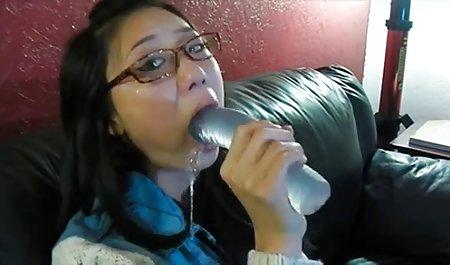 Bertato seksi orang Asia Lilith lembut core bermain mainan bokep barat full